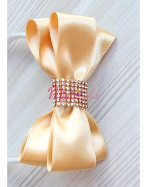 Gold krem renkli gold taş işlemeli fiyonklu taç