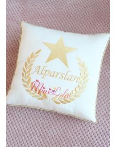 Dore renk yıldız isim işlemeli kişiye özel takı yastığı