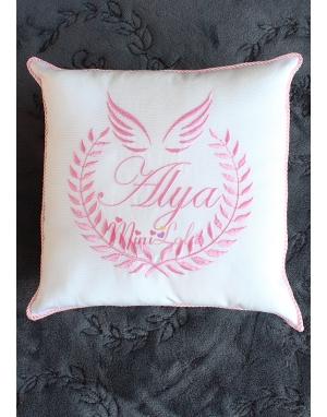 Pembe melek kanat isim işlemeli isimli takı yastığı