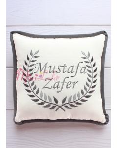 Koyu gri renk sarmaşık isim işlemeli kişiye özel krem takı yastığı