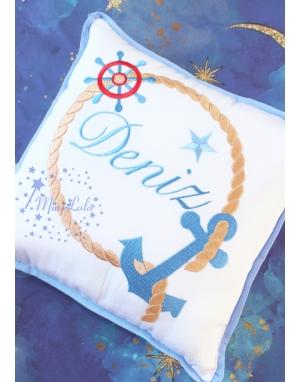 Mavi kahve renk çapa halat desenli isimli beyaz takı yastığı