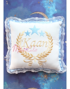 Dore mavi renk yıldız sarmaşık isim işlemeli krem takı yastığı