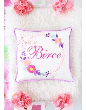 Somon lila çok renkli papatya gül işlemeli isimli takı yastığı