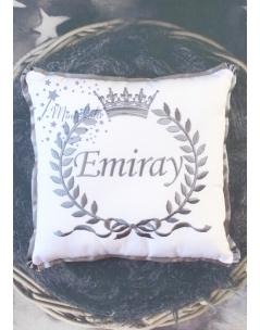 Koyu gri renk fiyonklu taç isim işlemeli beyaz takı yastığı