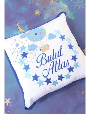 Saks-bebe mavi uçan balon yıldız desenli isimli takı yastığı
