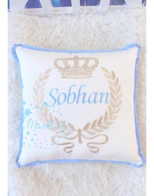 Vizon mavi renk taç desenli isim işlemeli krem takı yastığı
