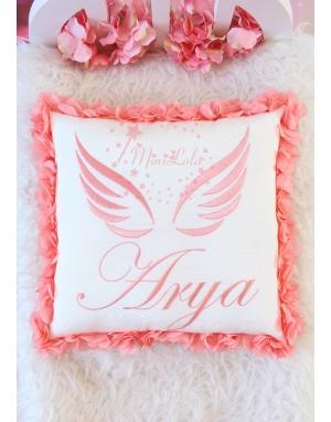 Somon renk melek kanat işlemeli isimli çiçekli takı yastığı