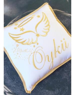 Gri renk melek kanat yıldız işlemeli isimli beyaz battaniye