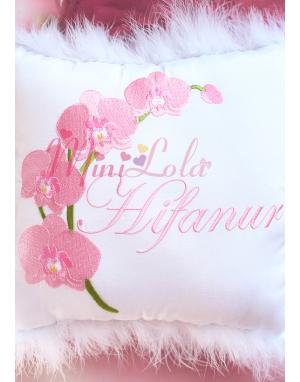 Pudra pembe orkide çiçekli isim işlemeli tüylü takı yastığı