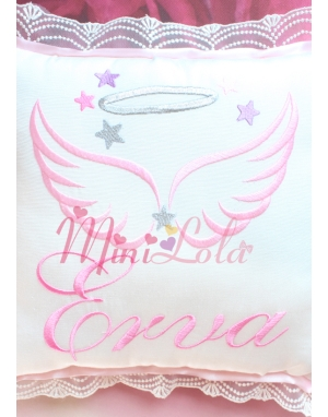 Pembe renk kanat isim işlemeli yıldız sim detaylı takı yastığı