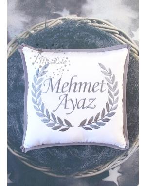 Koyu gri renk sarmaşık isim işlemeli takı yastığı