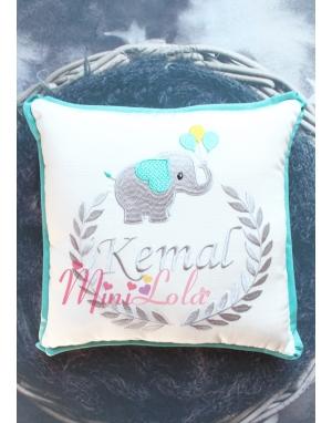 Gri mint yeşili fil desenli isim işlemeli krem takı yastığı