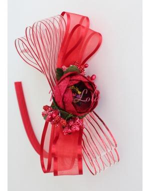 Kırmızı çiçekli kurdela süslemeli şık taç
