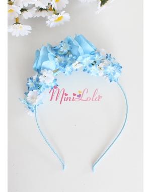Mavi beyaz renk mini çiçekli mavi güllü şık taç