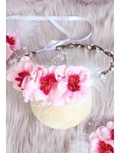 Pembe çiçekli beyaz inci tüy detaylı zarif bağlamalı taç
