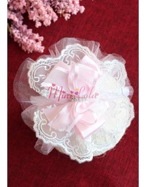 Krem çiçek dantelli pembe taşlı fiyonk süslemeli tüllü taç