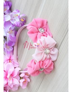Pembe pudra renk çiçekli taş süslemeli taç