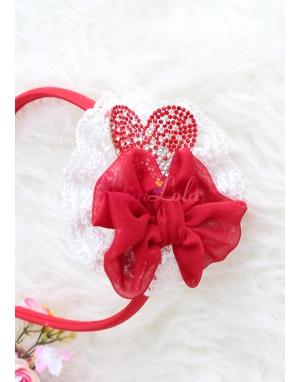 Krem dantelli kırmızı renk kalp taşlı fiyonklu taç