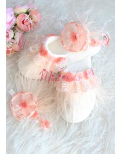 Somon renk taş çiçek işlemeli tüy detaylı zarif lohusa seti