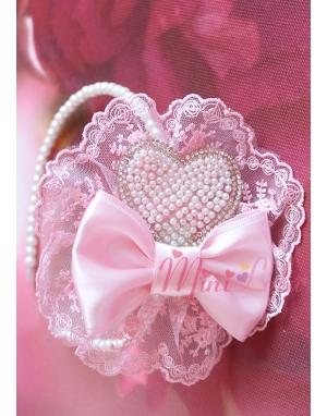 Pembe renk dantel işlemeli fiyonk krem inci kalp taş süslü taç