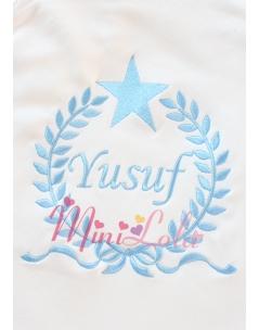 Mavi renk fiyonklu yıldız isim işlemeli krem battaniye