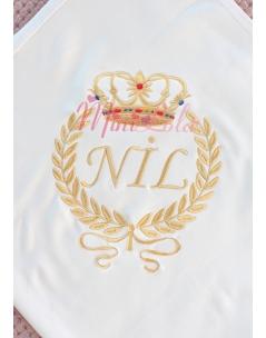 Dore renkli taşlı taç desenli isim işlemeli krem battaniye