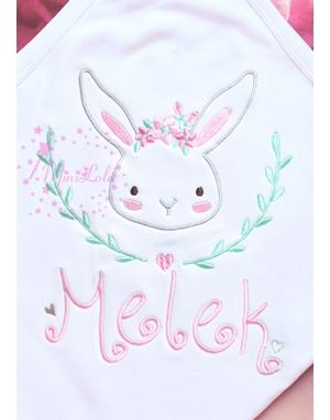 Pembe su yeşili renk tavşan işlemeli çiçek isim nakışlı battaniye