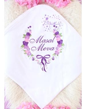 Mor lila renkli gül fiyonk desenli nakış işlemeli isimli battaniye