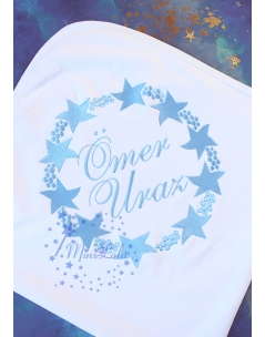 Mavi renk yıldız baloncuk desenli isim nakışlı battaniye