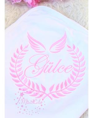 Şeker pembe renk sarmaşık melek kanat desen isimli battaniye