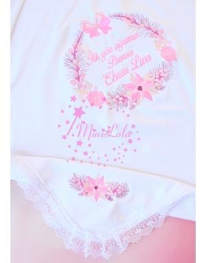 Şeker pembe yılbaşı çiçeği desenli dantel köşe detaylı isimli battaniye