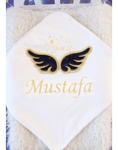 Lacivert gold renk kabarık melek kanatlı taş şerit detaylı isimli battaniye