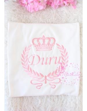 Pudra pembe taç sarmaşıklı isim işlemeli battaniye