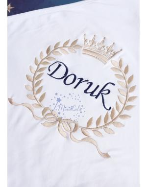 Vizon lacivert renk fiyonklu taç isim işlemeli battaniye