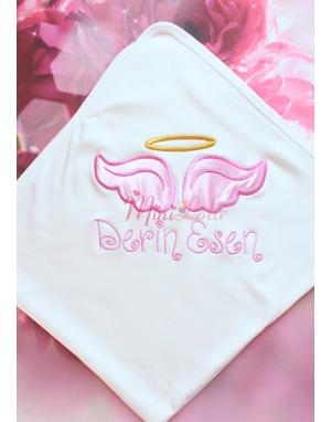 Pembe melek kanat işlemeli gold isim detaylı battaniye