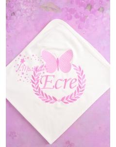 Pembe renk kelebek işlemeli isimli battaniye