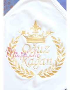 Dore renk taç isim işlemeli kişiye özel krem battaniye