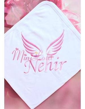 Pembe renk melek kanat desen isim işlemeli battaniye