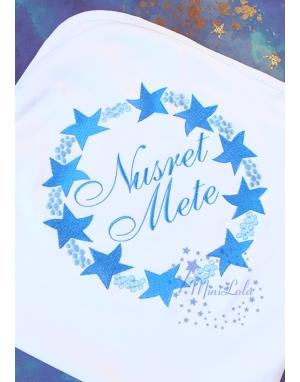 Açık koyu mavi renkli yıldız desenli isim nakışlı battaniye