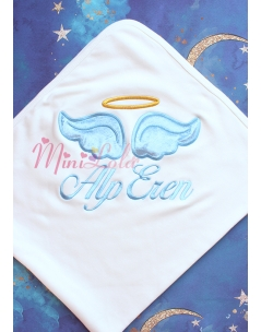 Krem renkli mavi melek kanat işlemeli gold isim detaylı battaniye