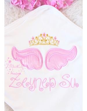 Pembe melek kanat işlemeli gold prenses taçlı isimli battaniye