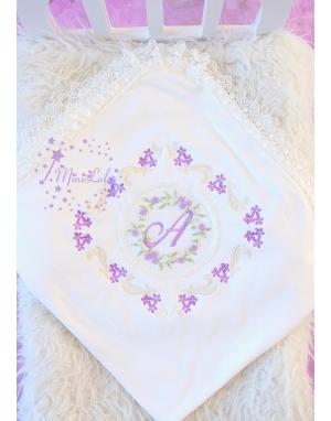 Lila çiçek işlemeli dantelli tül detaylı isimli battaniye