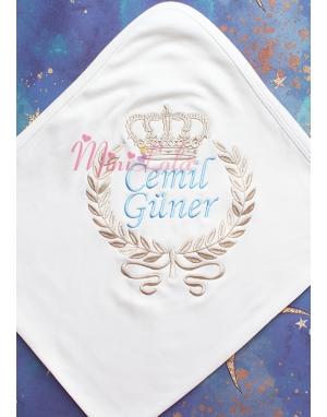 Vizon mavi renk taç desenli isim işlemeli krem battaniye
