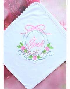 Pembe çiçek desenli sim işleme detaylı isimli battaniye