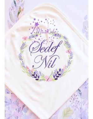 Mor lila renkli lavanta kelebek desen işlemeli isimli battaniye