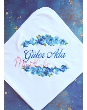 Mavi renk geçişli menekşe çiçek desenli isimli battaniye