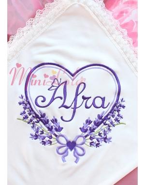 Mor lila renkli kalpli lavanta desen işlemeli dantelli isimli battaniye