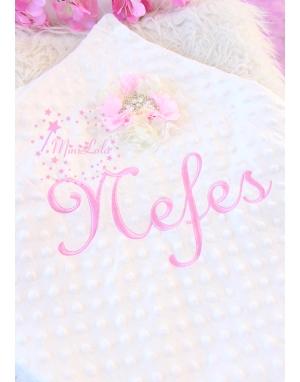Krem renk pembe çiçek prenses taş süslü isimli nohut battaniye