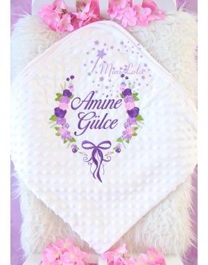 Mor lila renkli gül fiyonk desenli nakış işlemeli isimli nohut battaniye