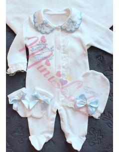 Bebe mavi vizon renk çiçek desenli dantel detaylı isimli tulum seti